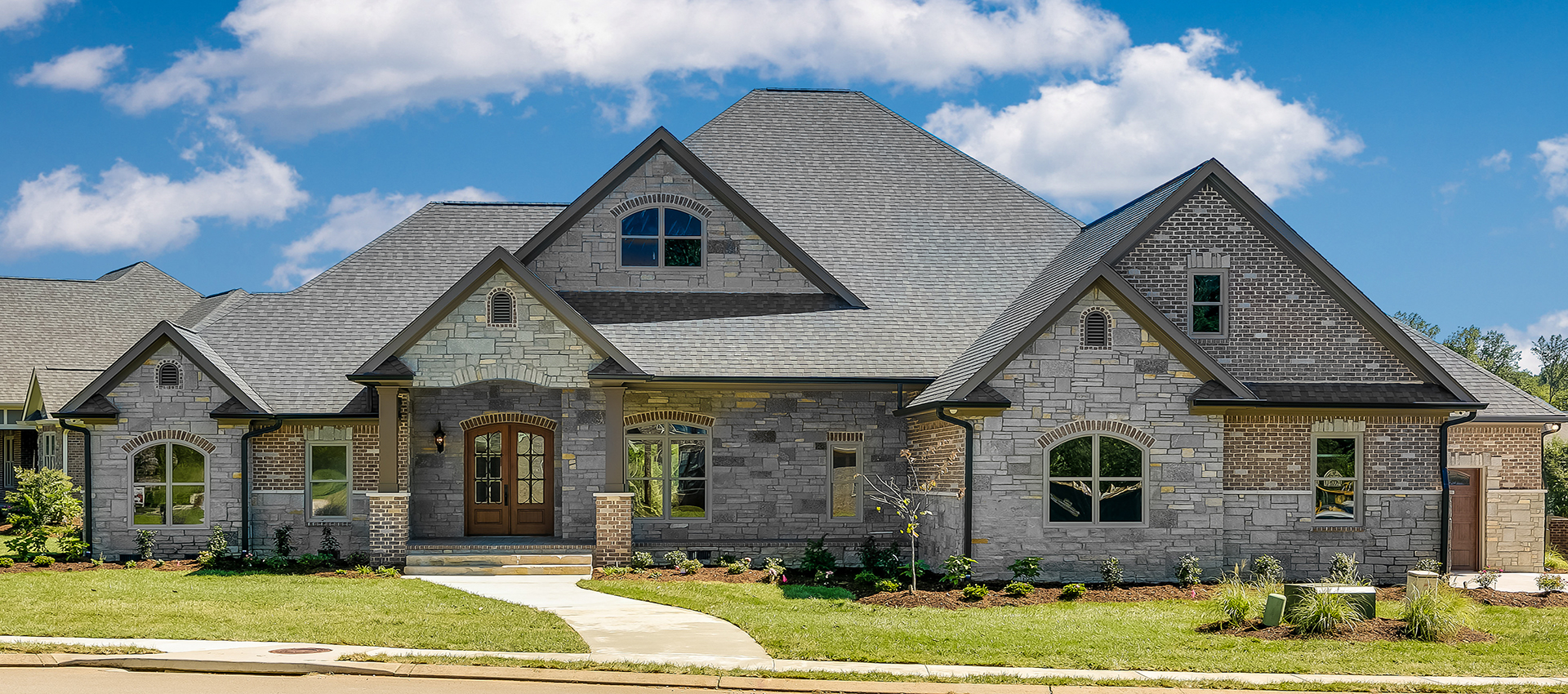 Tips for building a new custom home mccoy homes for Custom home builders chattanooga tn