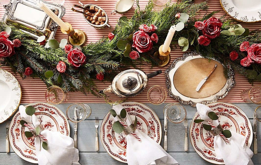 Design an Elegant Christmas Table
